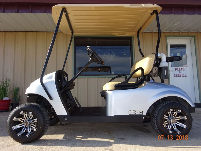 2015 EZ-GO TXT Golf Cars